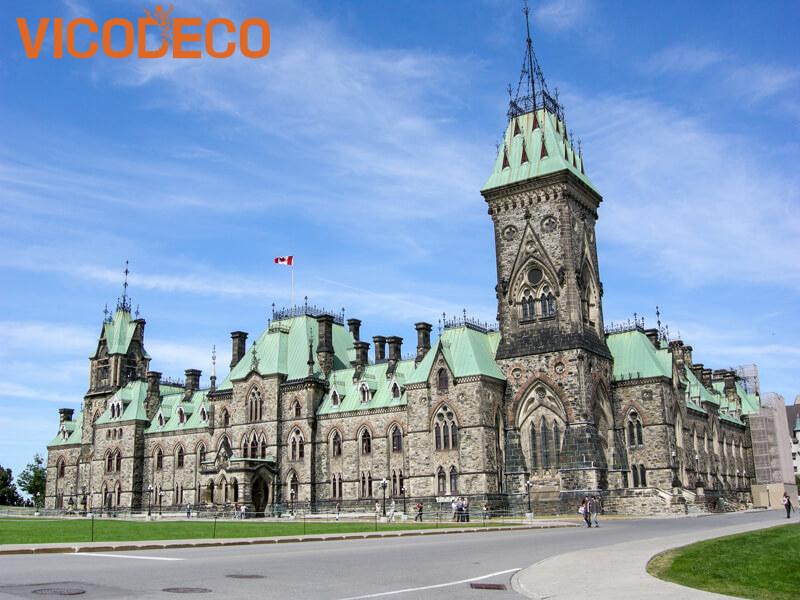 Toa-nha-Quoc-hoi-tai-Canada
